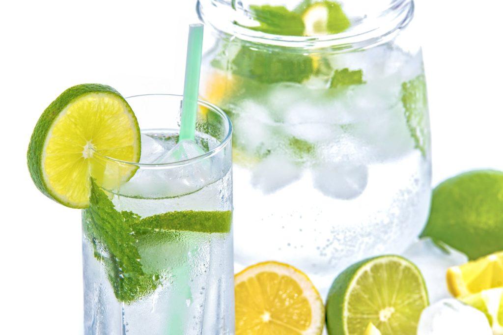 Muistaako vanhus juoda tarpeeksi ja mistä merkeistä sen tietää?